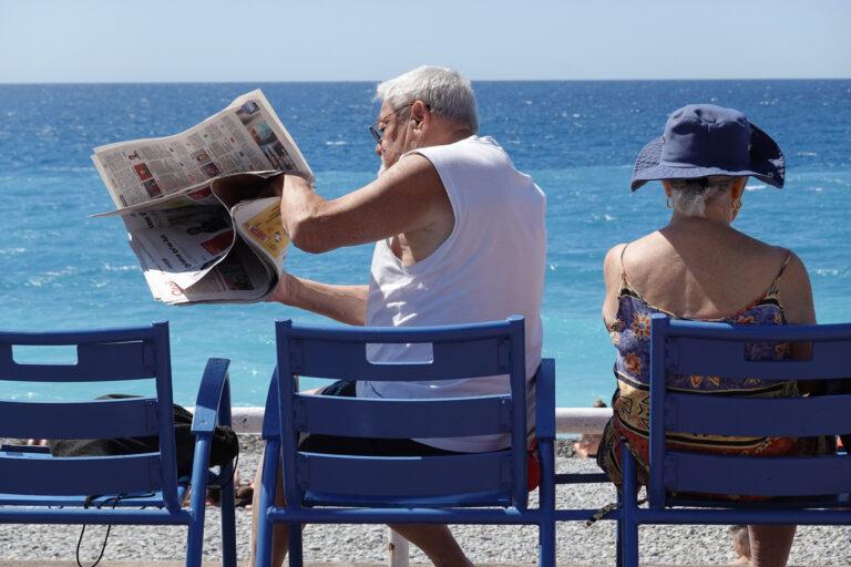 nice journal médias chaises bleues